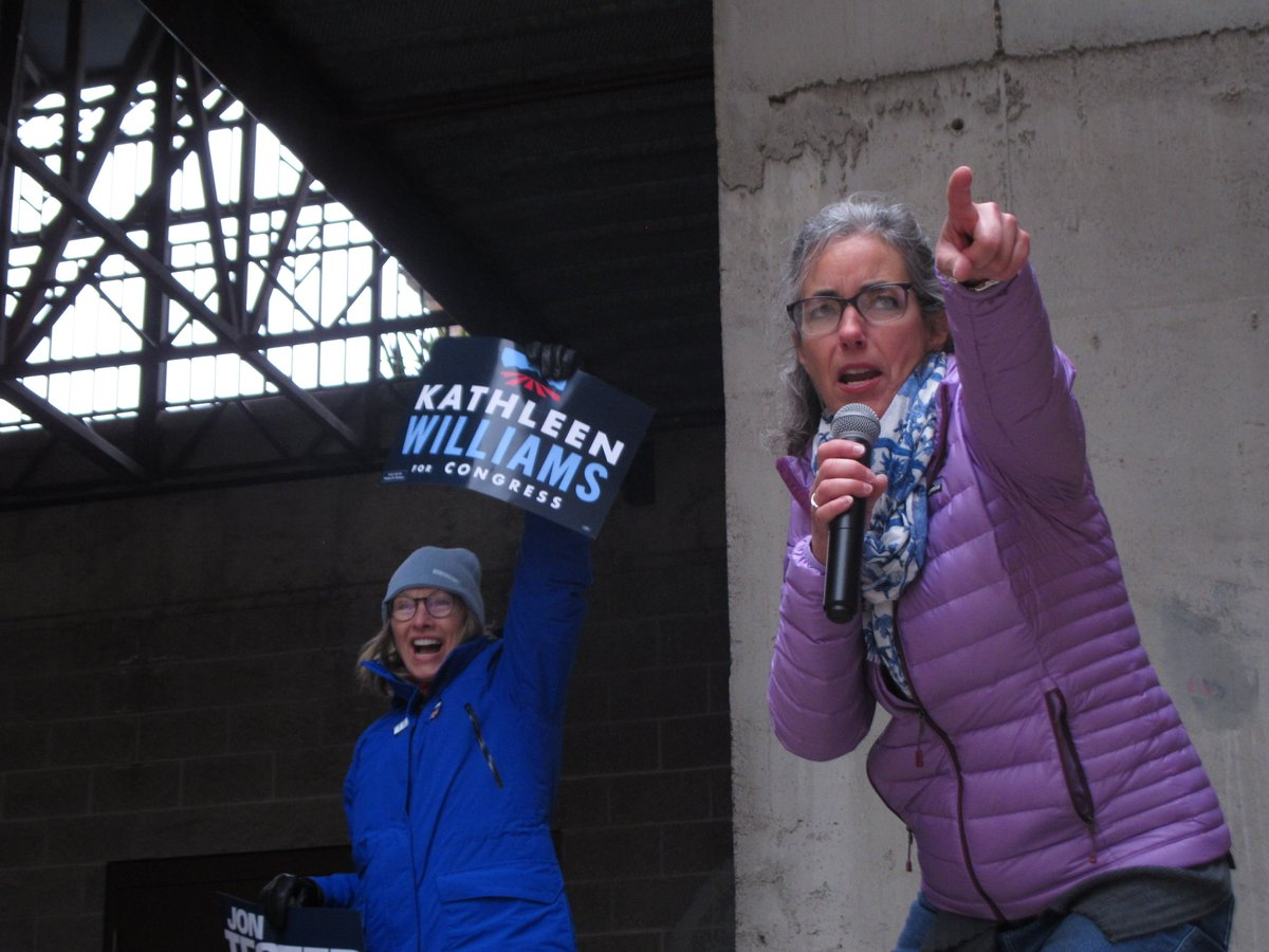 Bullock rallies Dems in Helena while Lindsay Graham stumps for GOP in Bozeman apnews.com/8a7f6dc759b64a…