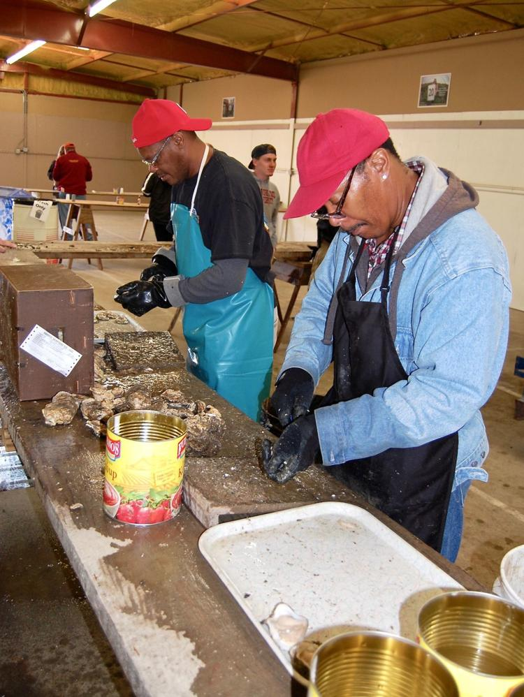Left over oyster shells from the U.S. Oyster Festival in St. Mary's County (Oct. 20-21) are being used to rebuild oyster populations and improve the water quality of the Chesapeake Bay. More info here: https://t.co/1K58MFXQFD via @SoMdNews #NationalSeafoodMonth https://t.co/VtmXKEgRp1