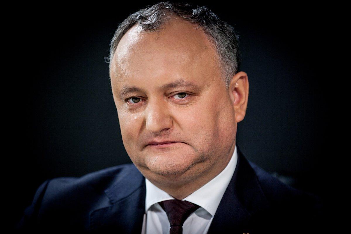 Додон прилетел в Минск и встретился с Лукашенко за городом