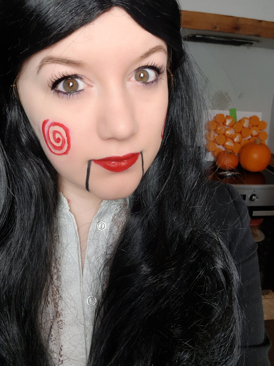 I want to play a game. except it's cooking, not a game it's a game of risk 🎃 twitch.tv/tashnarr