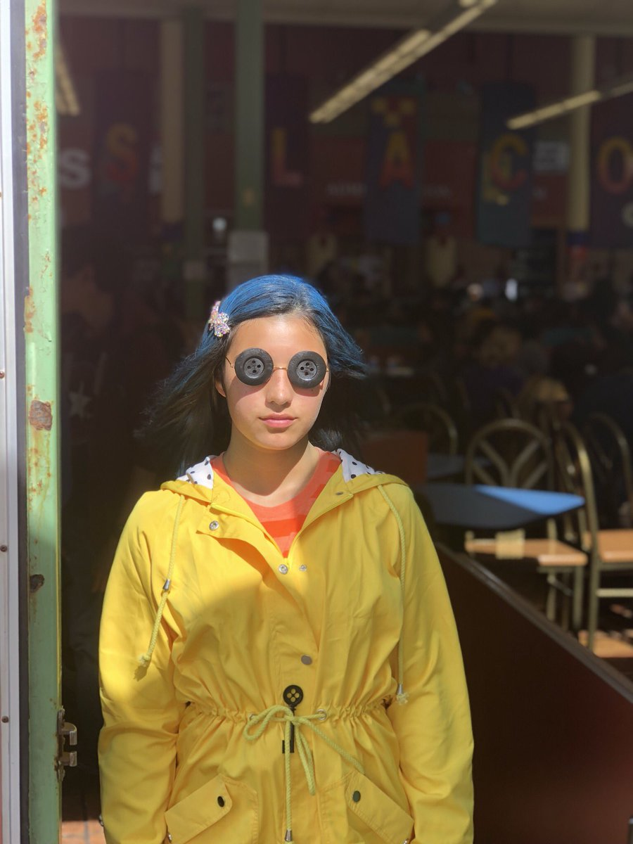 𝒫𝑒𝒸𝒶𝓈 On Twitter I Almost Fell Down A Well Yesterday Mom Coraline Jones