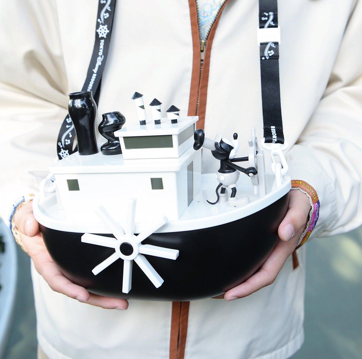 東京ディズニーランド 蒸気船ウィリーを再現したポップコーンバケット本日発売 現在最後尾から購入まで5時間待ちです