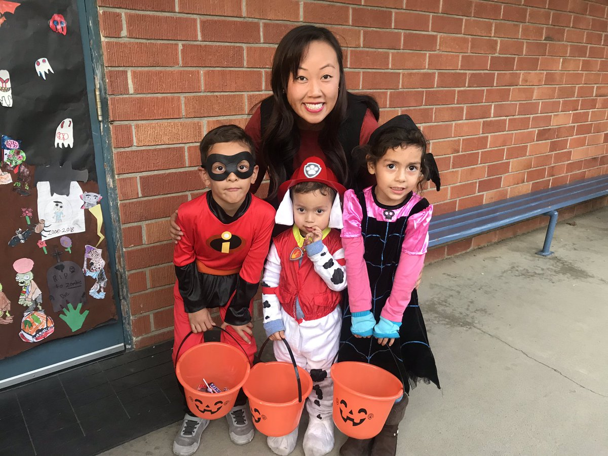 Mai Yang Vang On Twitter B C Officialscusd Students Can Be A Minion Things When They Grow Up It S Harvest Festival At John Bidwell Elementary Sachalloween Vangscusd5 Https T Co Cobs8aw9n3