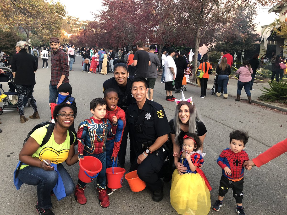 Berkeley Police On Twitter Lots Of Halloween Fun At The Russell