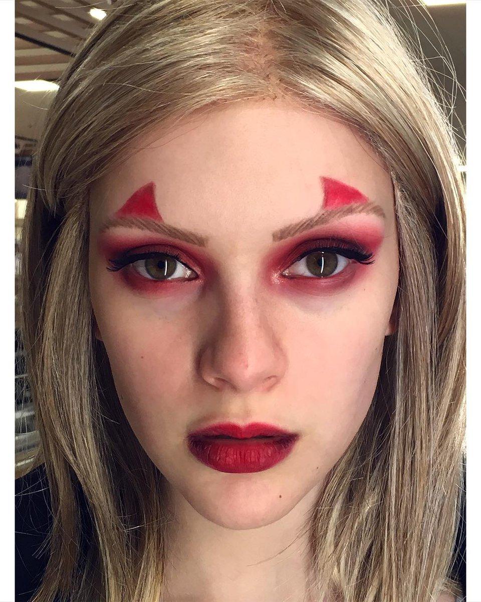 #joelle #devil #horns #makeup #halloween #happyhalloween #2018pic.twitter.com/qsyehR8gxk