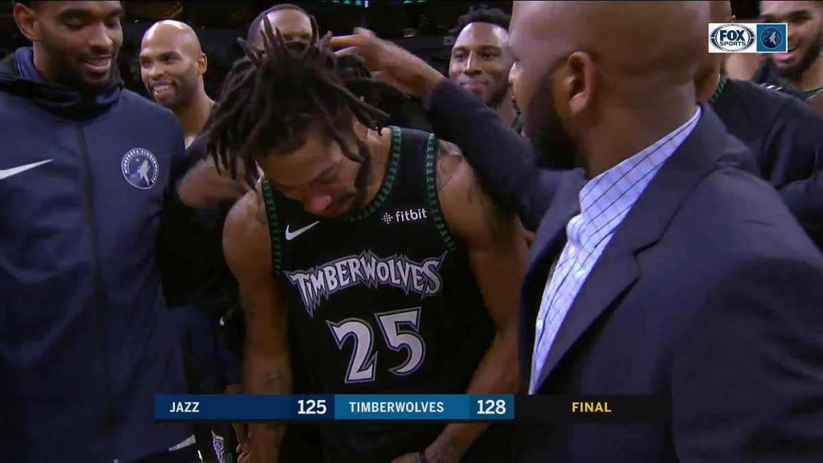 🌹 What a night for @drose. Unreal. 🌹 https://t.co/Gdcf51qfJK
