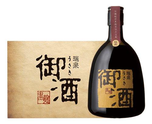 11/1の今日は「本格焼酎の日&泡盛の日」。普段は日本酒派の方も今日は本格焼酎や琉球泡盛はいかがでしょうか。画像は「瑞泉 御酒(うさき)」。沖縄戦で壊滅した麹菌が東大に保存してあったことで奇跡的に復活した「御酒」。来年は復活20周年になります http://bit.ly/2OibD2h