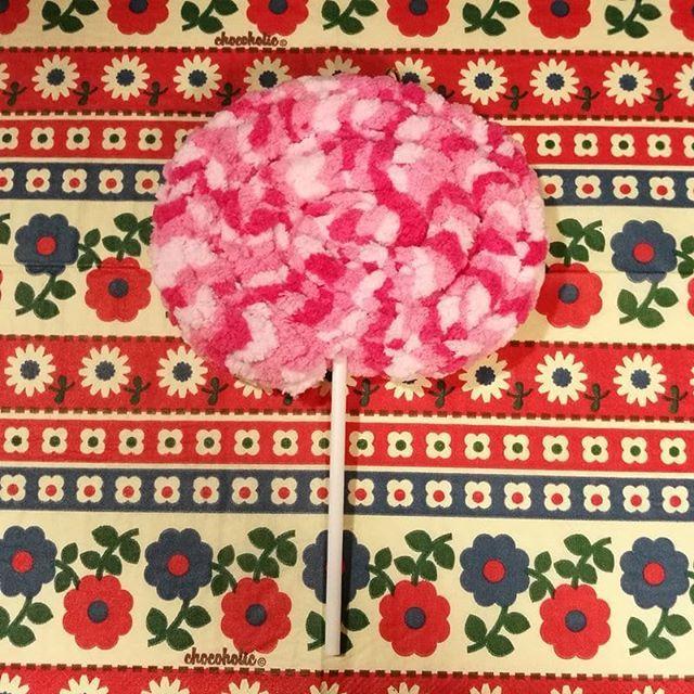 test ツイッターメディア - 毛糸deリリアンで作ったロリポップ。ペロペロキャンディとも言います。 持つところはストローです。 #ダイソー #毛糸deリリアン #ロリポップ #ペロペロキャンディ #ハンドメイド https://t.co/pK39sVaNKm https://t.co/KKdgHEUUQO
