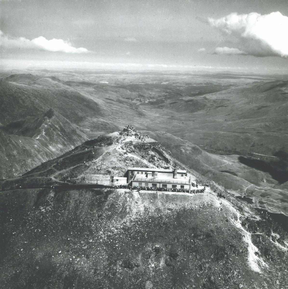 Dq6JglsWwAA9ElU - Snowdon's Hafod Eryri 10 years