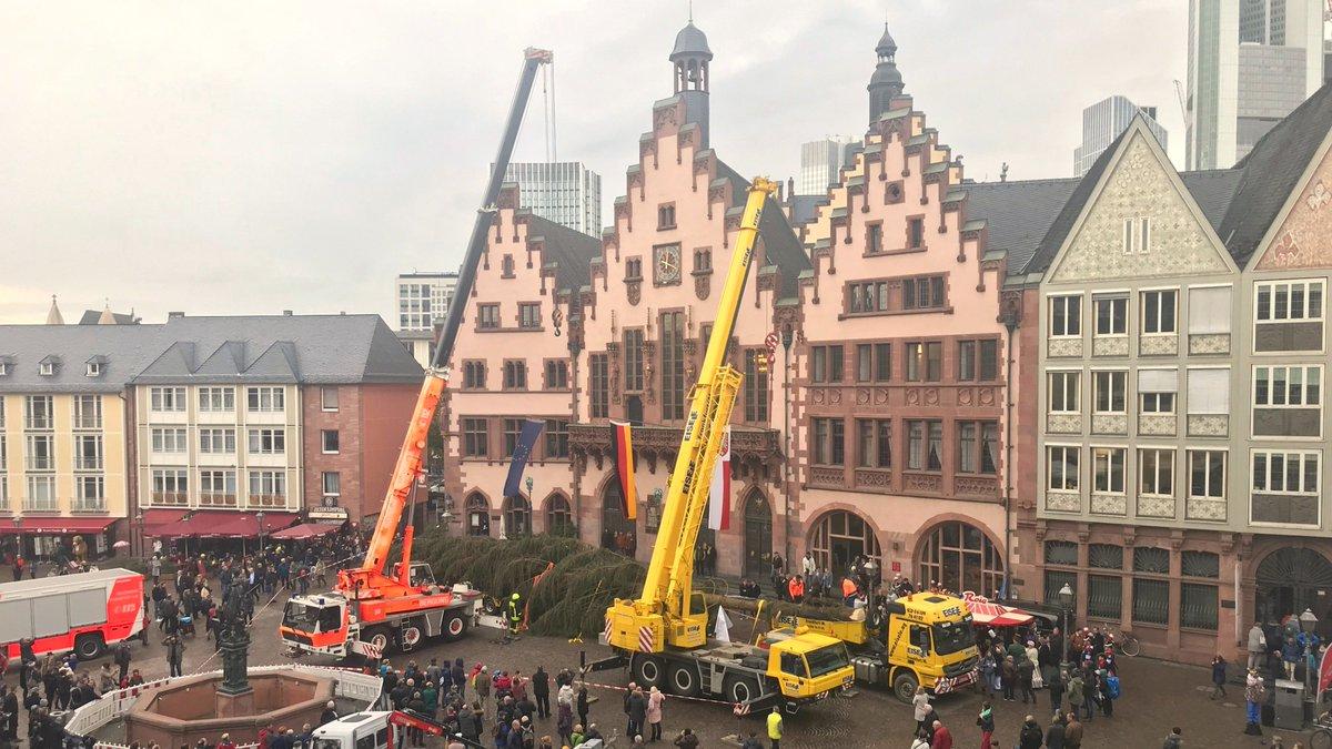 Weihnachtsbaum Frankfurt.Frankfurt Am Main On Twitter Ganz Schön Was Los Auf Dem Römer Wie