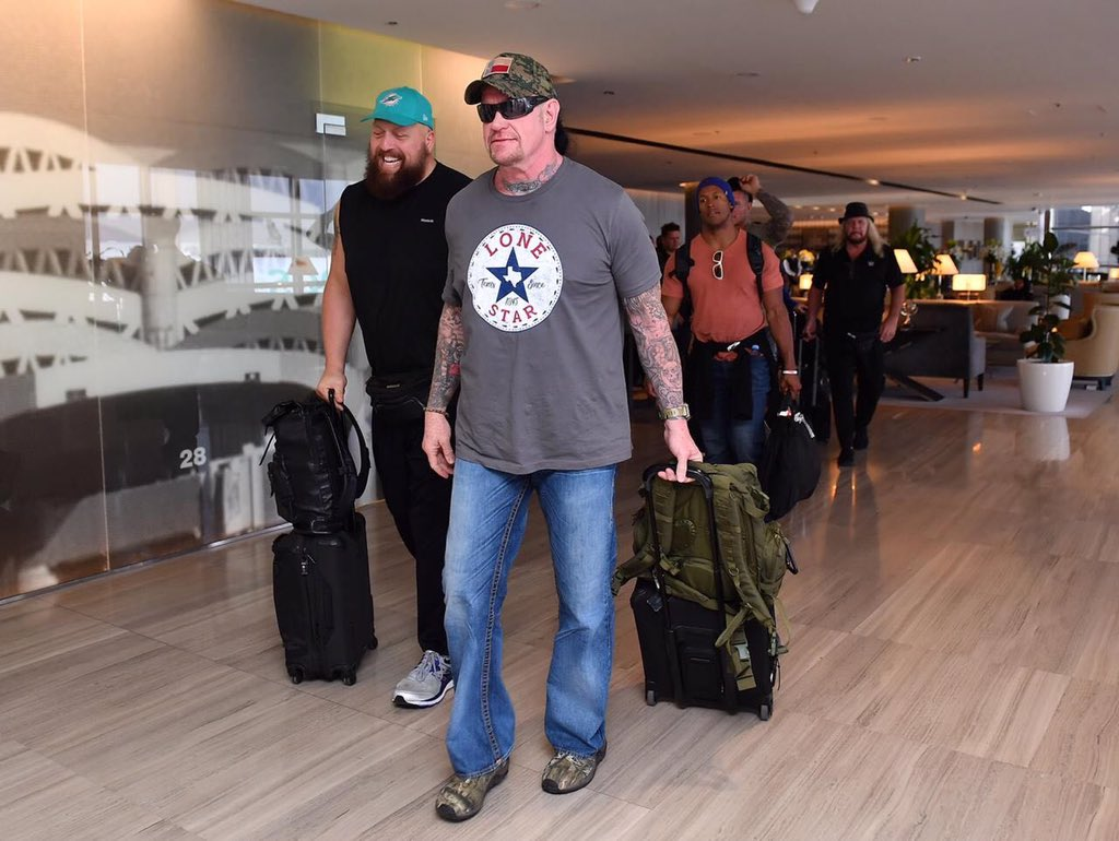 Renee Young Traveling Without Roster In Saudi Arabia, Photos & Video Of Top WWE Stars Arriving, More