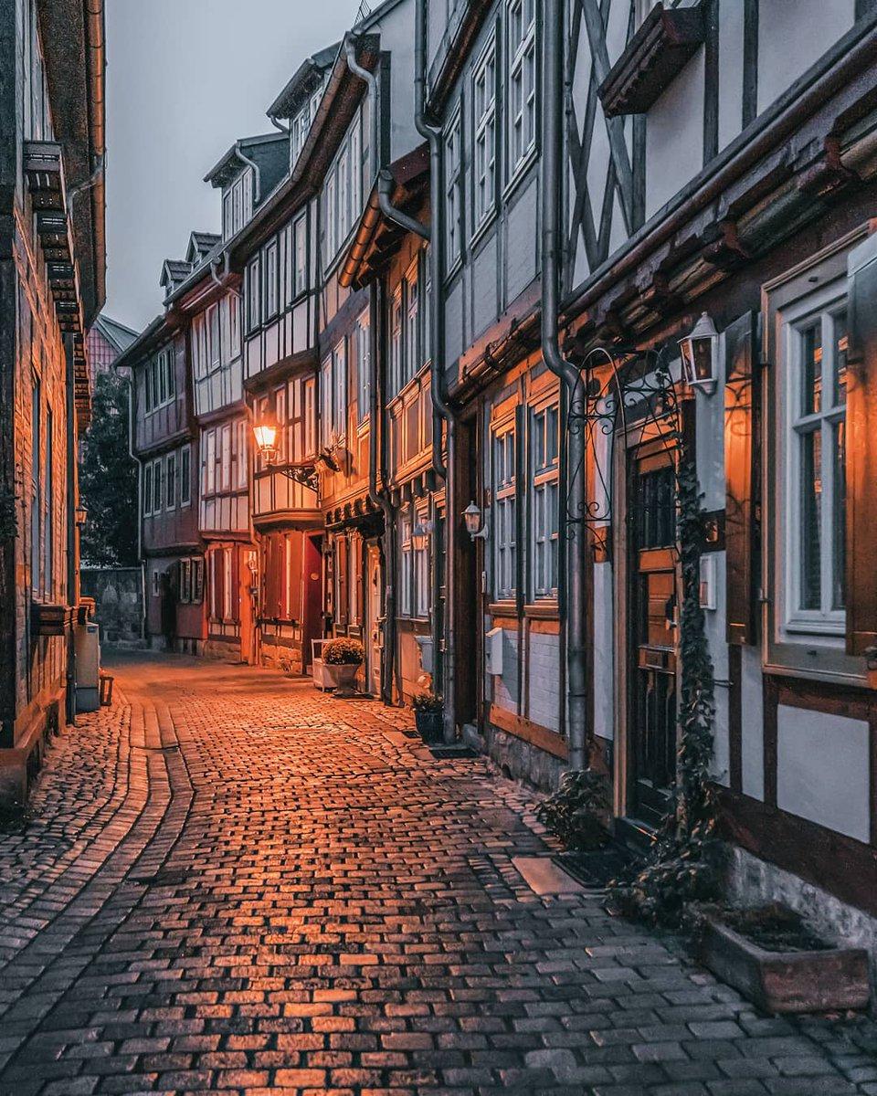 красивые улицы картинки журналистка