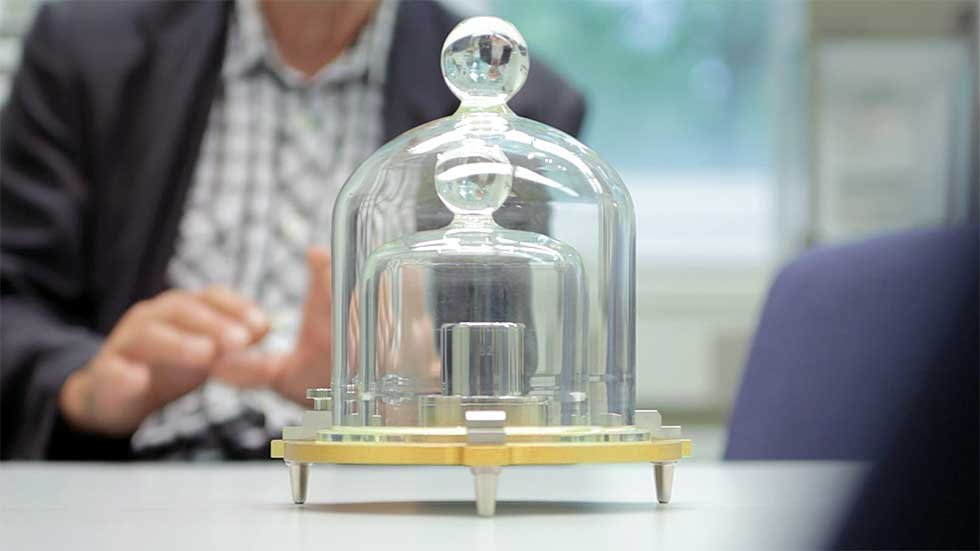 Why is kilogram defines by ipk