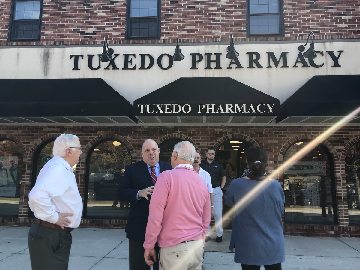 It's a beautiful morning in Roland Park - had the chance to stop by Tuxedo Pharmacy and Eddie's Grocery!