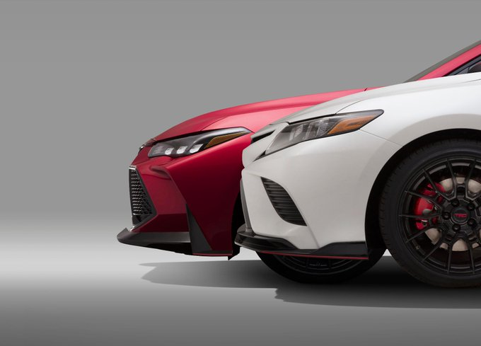 Toyota To Showcase The 2019 Toyota Camry Trd And Avalon Trd In Los