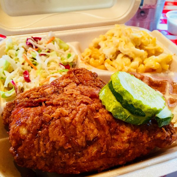 WIN A FREE MEAL PASS FROM @ChickenTakeover!! RETWEET FOR A CHANCE TO WIN!!! #goodluck 🍗 https://t.co/wOzOqwKxFl