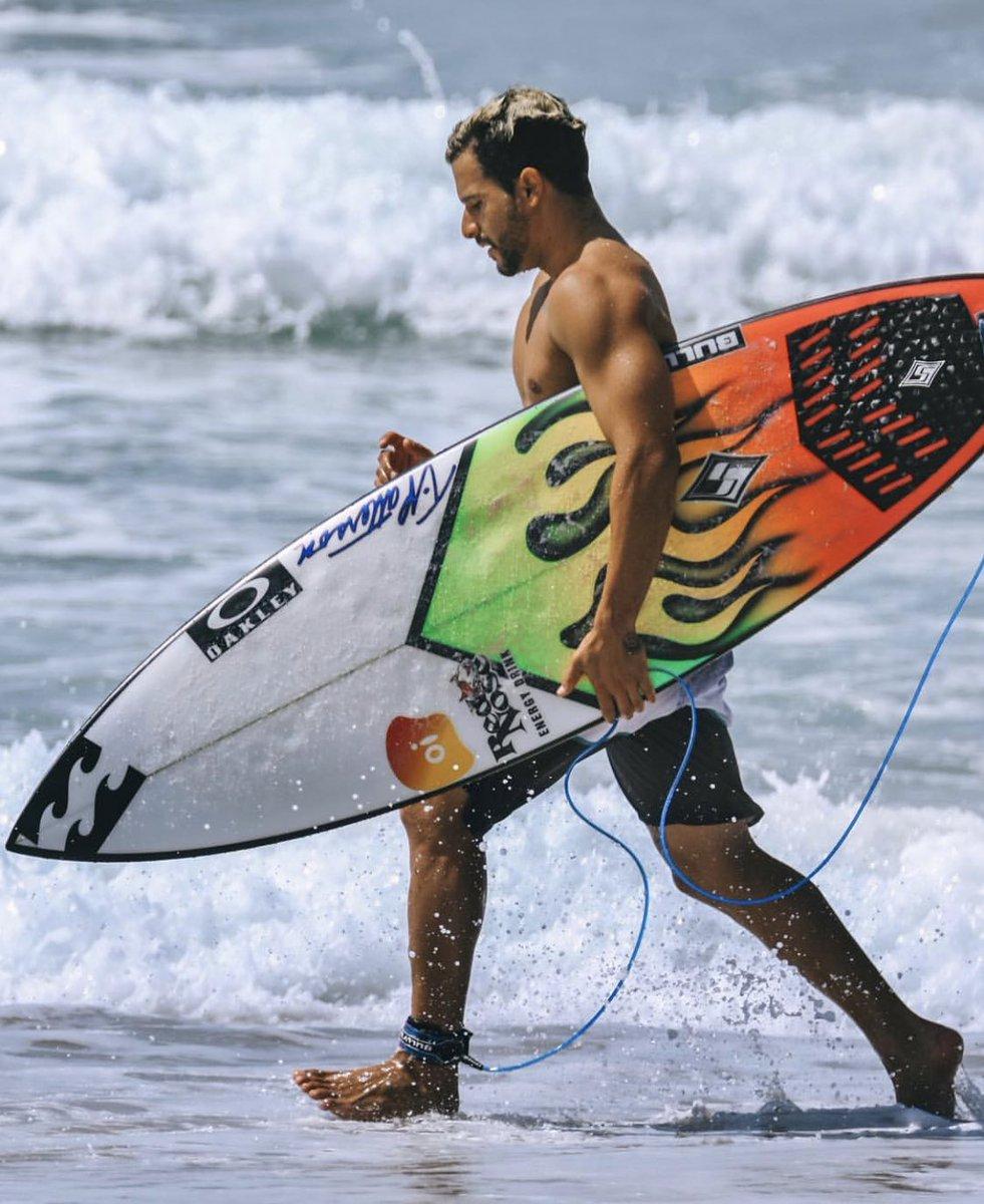 Resultado de imagem para italo ferreira surf