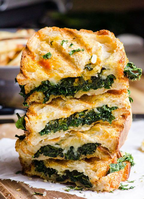 Love kale? Must try these quick and easy recipes! ---> https://t.co/nfXnWeKoAq https://t.co/w9qU15kuya