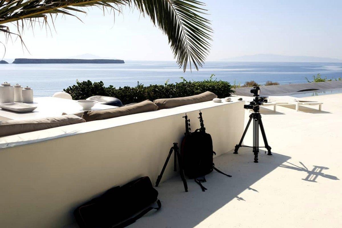 @SodiumBurn keeps on rocking! Shooting a set of stunning Villas with intense views and interiors. -  #cycladic #paros #lifeisbetterontheisland #drios #greekisland #interiordesign #greekvilla #views #videoproduction #propertyphotpgraphy #minimalism #minimalist #minimal