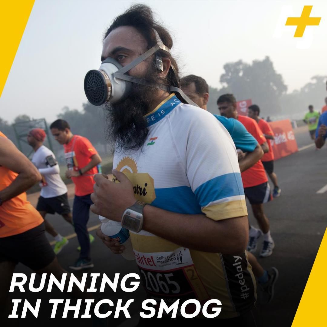 The smog is so bad in India, these marathon runners are wearing masks 😷