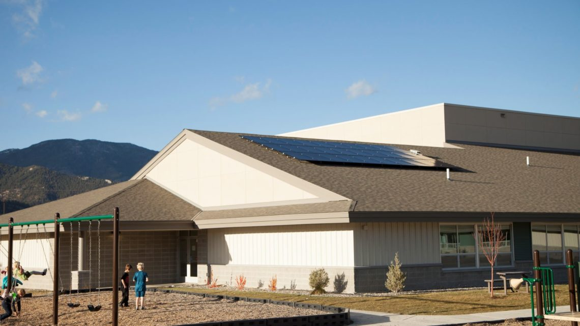 SCHOOL DISTRICT SOARS INTO THE FUTURE ON SOLAR ENERGY https://t.co/TBFQED7xPM #solarenergy #solarpower https://t.co/MHb0FUEQ9K