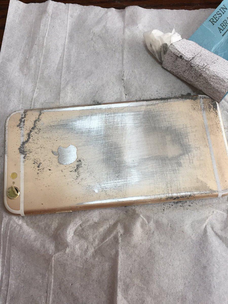 iPhoneが鏡に!?好きなケースが無くてやっちゃったwww