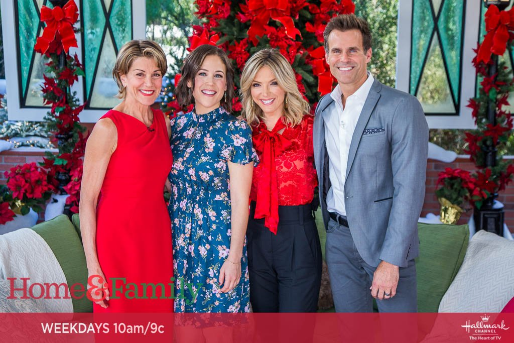 Marrying Father Christmas.Home Family On Twitter Hallmark Stars Erinkrakow And
