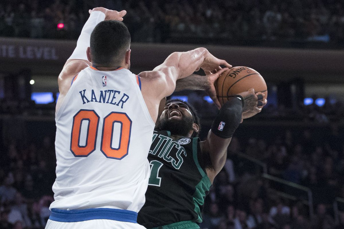 Kyrie Irving says he strongly considered the #Knicks before deciding to commit to @celtics   'New York always held a special place for me'  But that's likely little solace for Knicks fans: https://t.co/GZj35DxUkX @SBondyNYDN