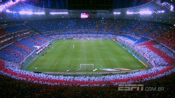 SENSACIONAL! Torcida do Fortaleza faz festa ABSURDA no estádio em comemoração do centenário https://t.co/KFN0NasUtg