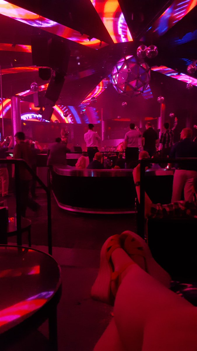 A great (& comfortable) view of Permaband! #EVEVegas #Permaband #LasVegas