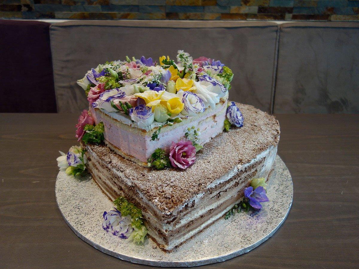 Cafe Cakedesigner Lezard On Twitter Weddingcake Wedding Torte