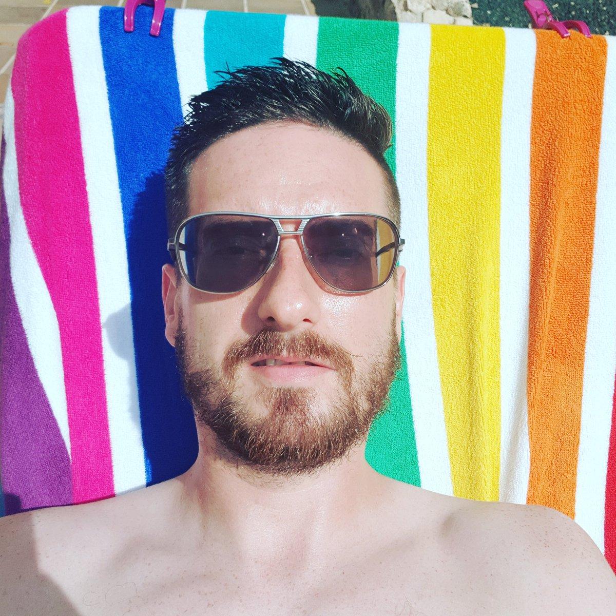 Sunday chill times  #holiday #sunshine #sunny #sunbathıng #pool #poolside #shades #policeshades #sunglasses #holidaystyle #gotsunsprayinmymouth #fuerteventura #canaryislands #sundaychills #chillax #relaxing #beard #beardsofinstagram #guyswithbeards #beards #beardinthesun #summer https://t.co/6ubG27uJgw