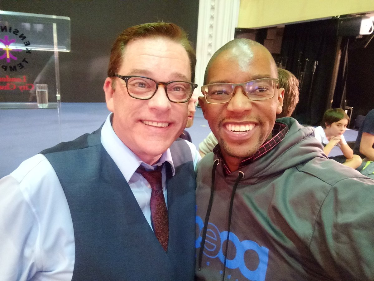 As you can clearly see I was super excited to meet @robertsliardon_official the author of God's Generals. His books have challenged my faith ever since I first laid my hands on one of them. Get one or check out his Youtube page for more.