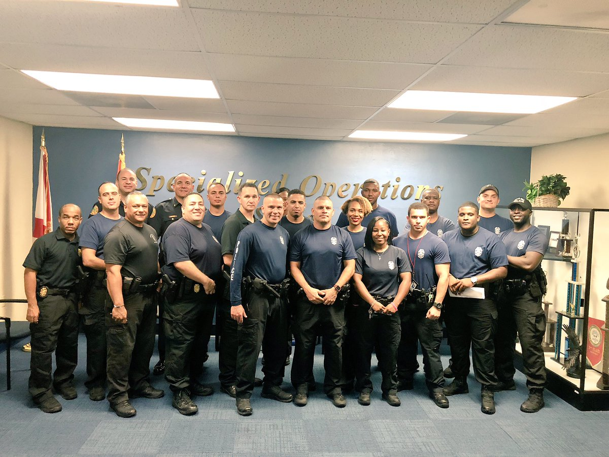 #happeningnow @MiamiPD Second deployment of personnel is headed to the Florida panhandle to assist first responders with recovery efforts for Hurricane Michael. I'm extremely proud of these men and women!! #HurricaneMicheal <br>http://pic.twitter.com/fENPvldMru