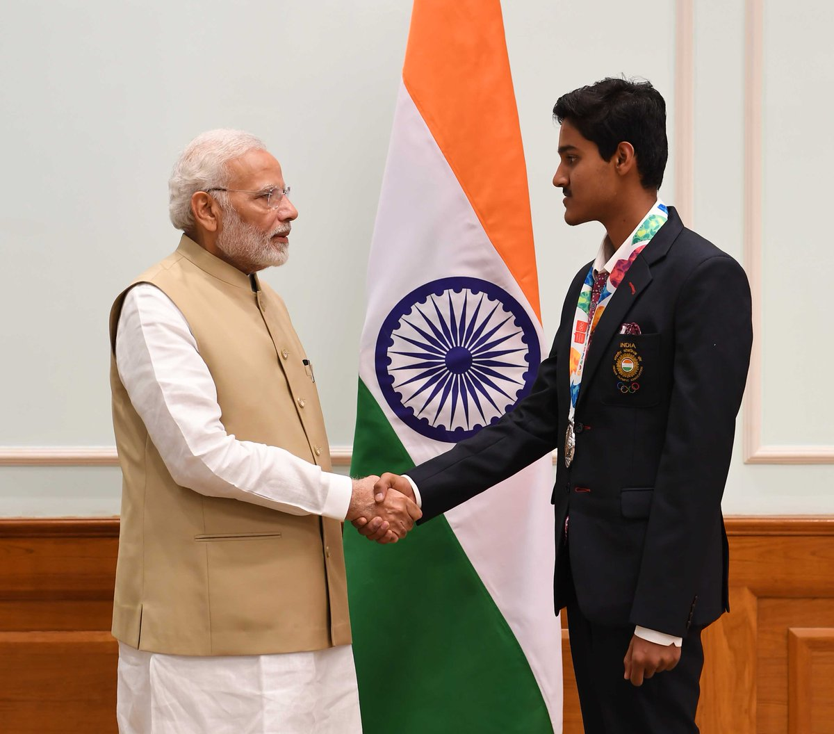 Kudos to Tushar Mane for striking the Silver at the 2018 Youth Olympic Games in 10m Air Rifle Shooting event. His dedication towards sports is commendable. It was great meeting him today. May he win many more laurels in the times to come.