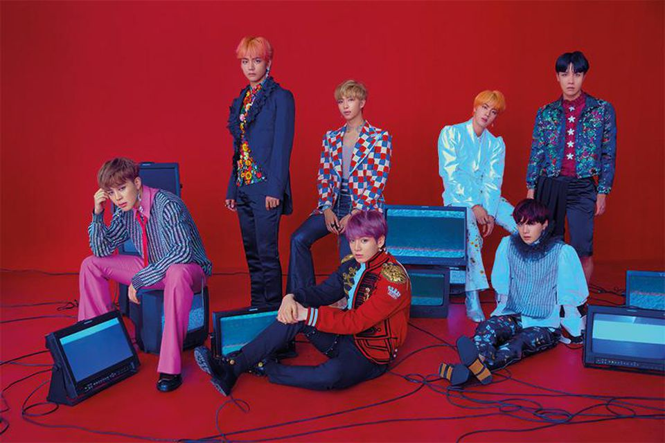 BTS extend contracts with Big Hit Entertainment for another 7 years, until 2026 https://t.co/PG0YqUqI3J https://t.co/xO8VEeBKtR