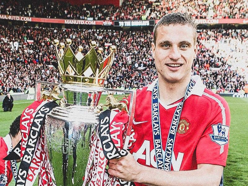 🎉 Happy 37th Birthday Nemanja Vidic! 📝 Costing @ManUtd £7m back in 2005. 🔴 300 Games 🏆🏆🏆🏆🏆 Premier League 🏆🏆🏆 League Cup 🏆 Club World Cup 🏆 Champions League 😳 Lifting a trophy, on average, every 30 matches. 👏 One of the @PremierLeague's greatest bargains.