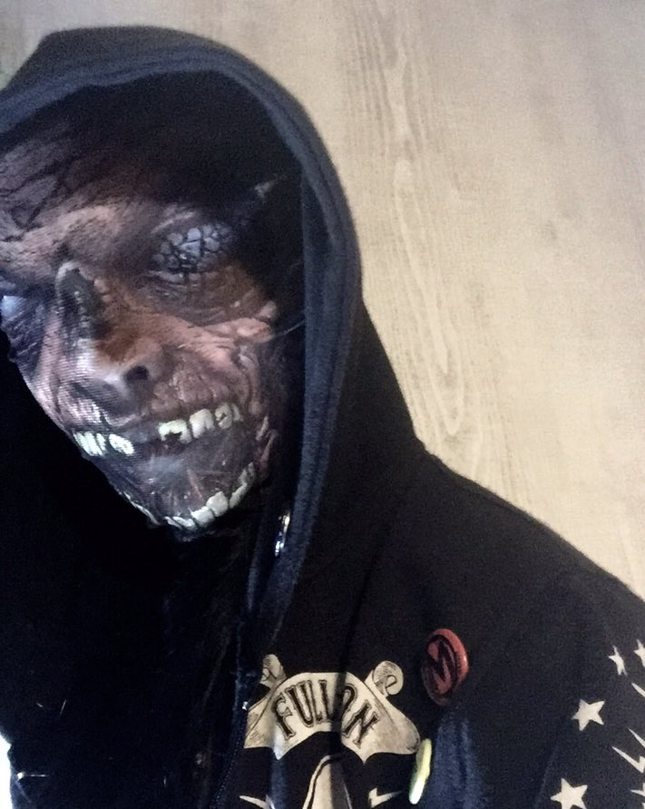 test ツイッターメディア - こんばんは! ハロウィンが近付いて来ましたね? 100円ショップで買ったホラーマスク、ストッキング状の素材に顔プリントされてるだけなんですけど 思いのほか怖い ガチ怖い #セリア #ハロウィン2018 #子供が泣くやつ https://t.co/Mm6n11FrQ0