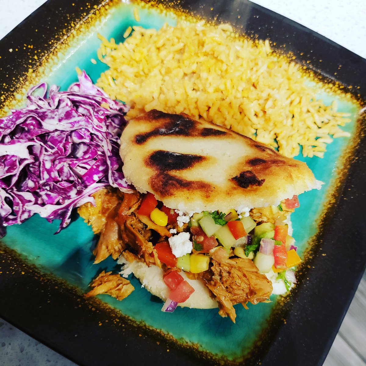 @GordonRamsay Arepas with corn salsa and red cabbage slaw. #homecook #foody #love https://t.co/Otue73oUcZ