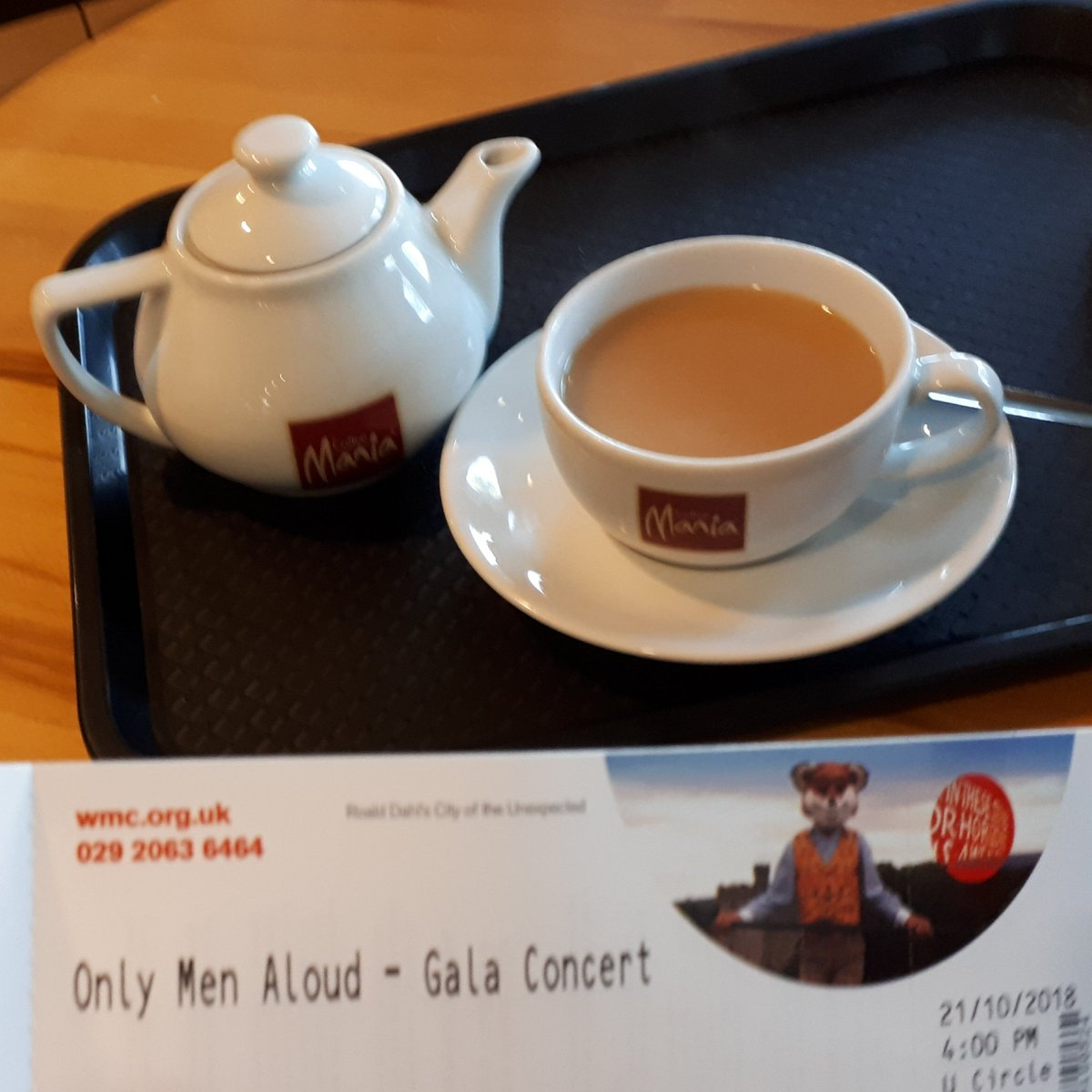@onlymenaloud @onlyboysaloud @theCentre here in plenty of time to collect my ticket and have a cuppa #GalaConcert #First10Years