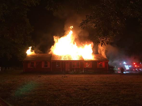 Chesapeake Fire Department responds to vacant house fire, no injuries reported https://t.co/S598kpBYY3