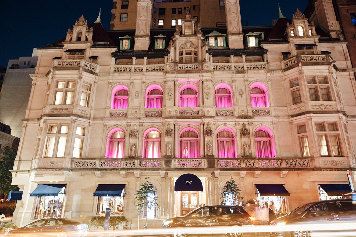 Our New York men's flagship on Madison Avenue lights up pink to show support for #PinkPony, our global initiative in the fight against cancer.   Join us in the fight against cancer. Learn more at https://t.co/eq9hYVsVAj