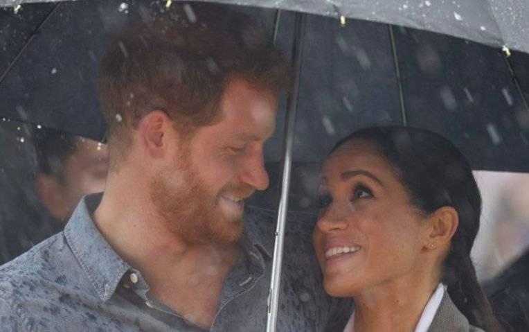El romantico gesto de Meghan con Harry que ha cautivado al mundo https://t.co/YiBXV0l0HO #MeghanMarkle #PrinceHarry