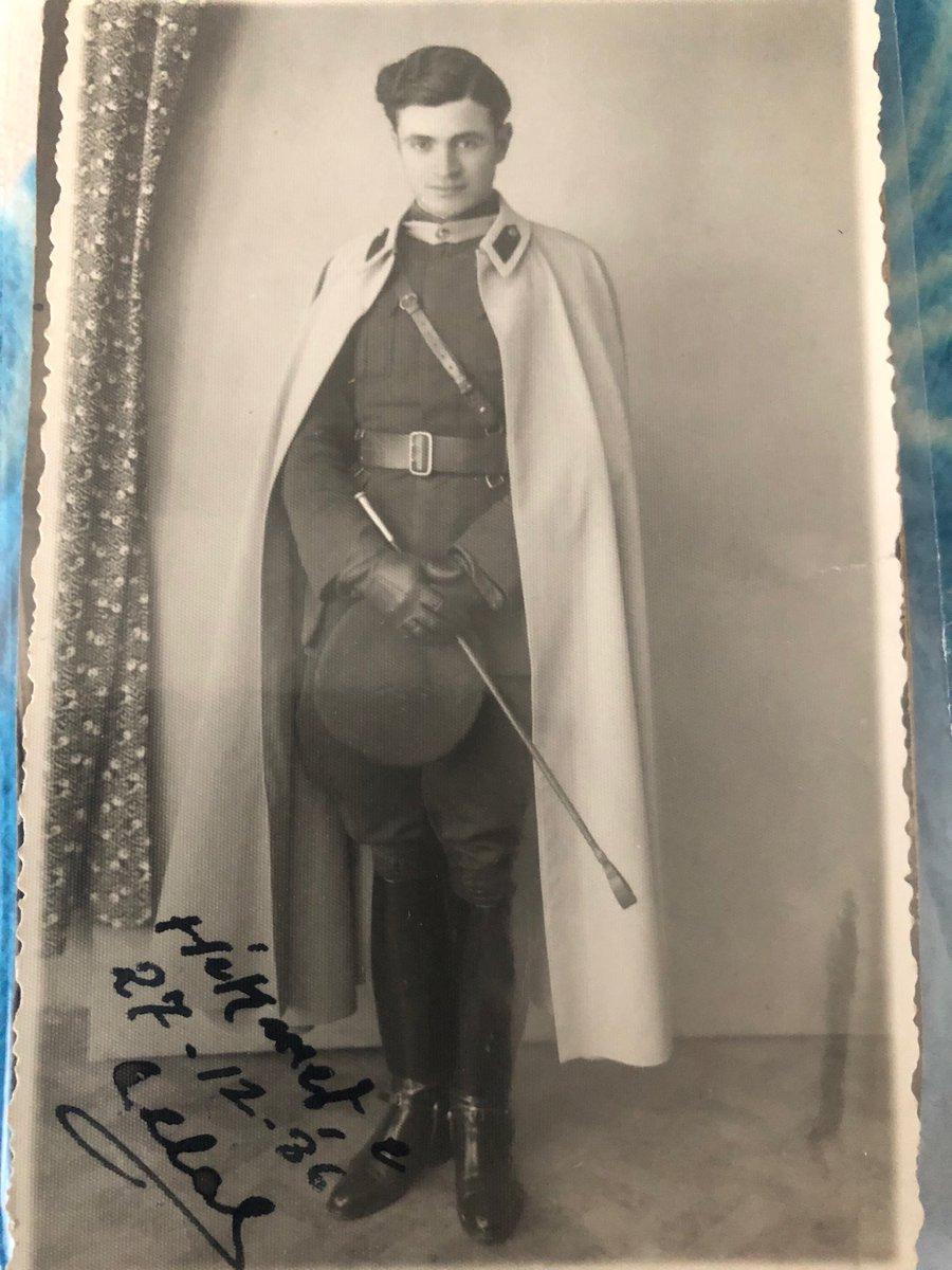 Coco Chanel tasarımlı üniformasıyla Cumhuriyetin ilk yıllarında bir Türk subayı - 27 Aralık 1936. Via: @tugrulnecmettin.