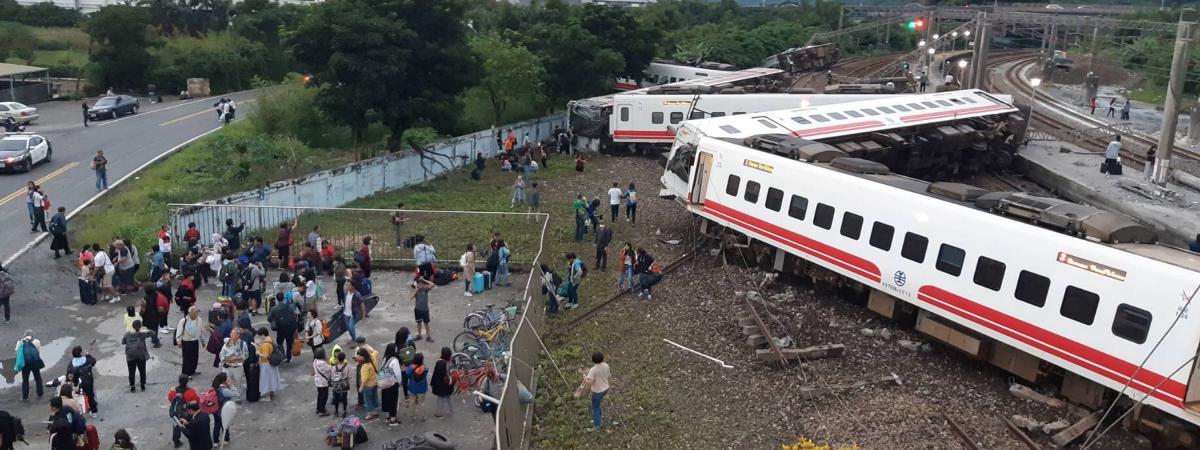 Taïwan : le déraillement d'un train fait au moins 22 morts  https://t.co/nJVKax61YQ