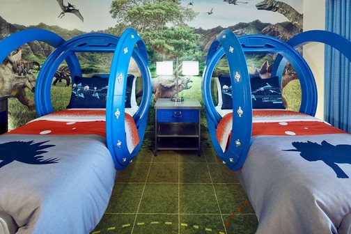 How epic are these #JurassicWorld kids' suites?  See more incredible suites at https://t.co/gLPHof2ONI.