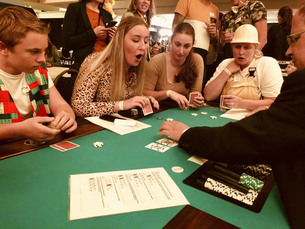 Ja! Oooo ik heb gewonnen! #poker #casinoavond #partyregelaar