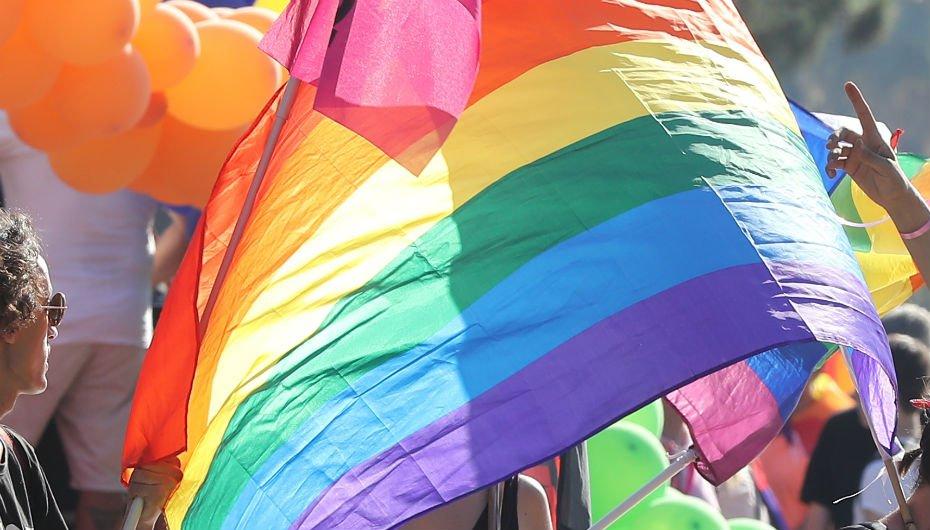 «Stop aux LGBTphobies» : quelques milliers de manifestants à Paris après plusieurs agressions homophobes https://t.co/hkudx7NFwV