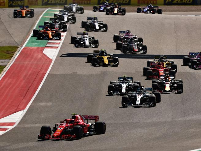 F1, Raikkonen vince e rinvia il sogno di Hamilton. Vettel chiude 4° dopo un testacoda https://t.co/54Zjb5SkXI