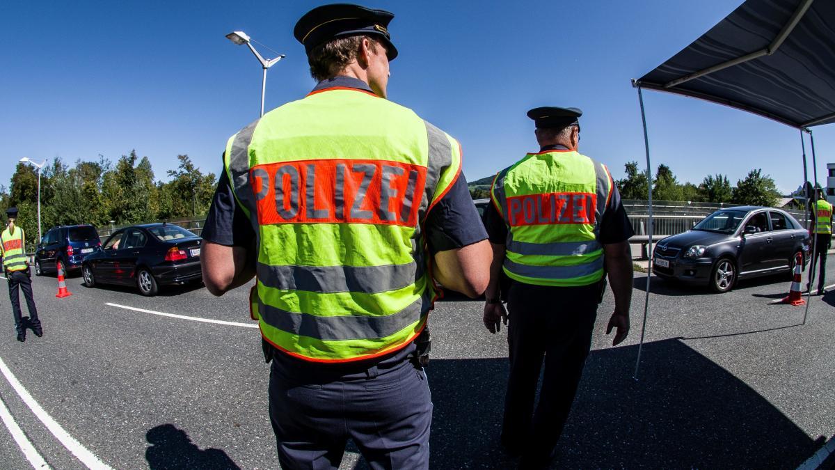 Rechtsgutachten hält bayerische Grenzkontrollen für verfassungswidrig https://t.co/27YXCg2KyX